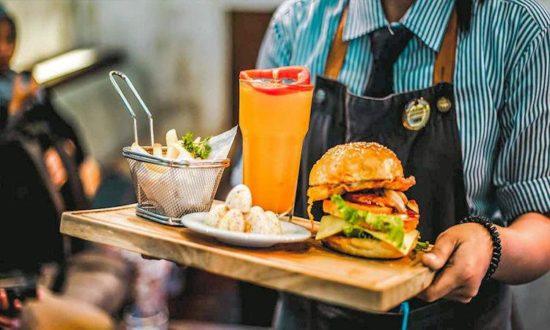 Mejores trucos para comer gratis o muy barato en restaurantes