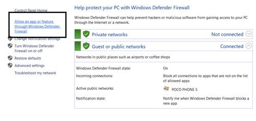 característica a través del firewall de Windows Defender.